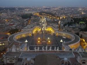 Blick von der Kuppel des Petersdomes